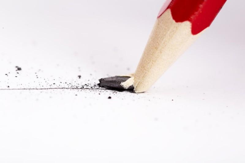 Bleistiftminen brechen bei zu hohem Druck