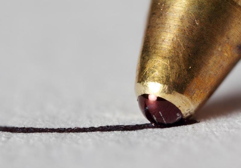 Detailaufnahme einer Kugelschreiberspitze