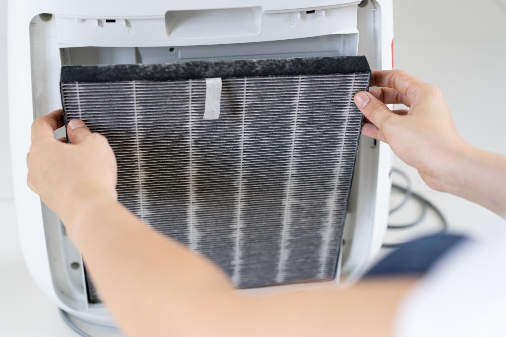Filterwechsel beim Luftreiniger